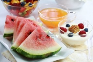 3094506-healthy-snack--fruits-and-juice